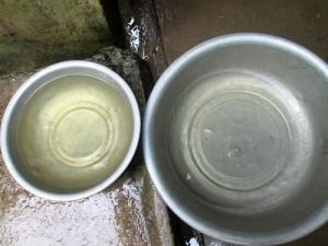 ật dụng trong gia đình bị hư hại vì nước giếng